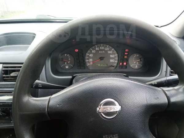 Nissan AD, 2003 год, 155 000 руб.