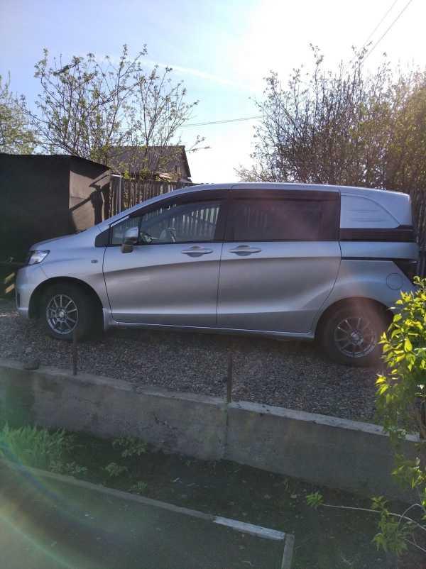 Honda Freed Spike, 2011 год, 629 000 руб.