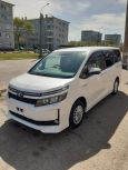 Toyota Voxy, 2014 год, 1 260 000 руб.