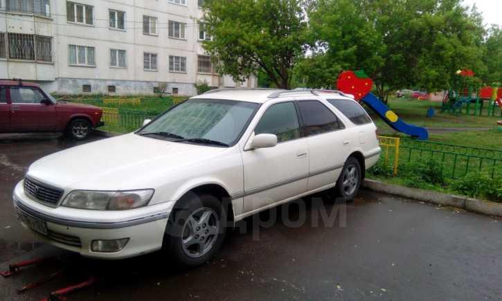 Toyota Mark II Wagon Qualis, 2001 год, 255 000 руб.
