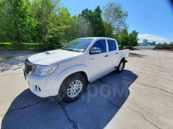 Toyota Hilux Pick Up, 2014 год, 1 180 000 руб.