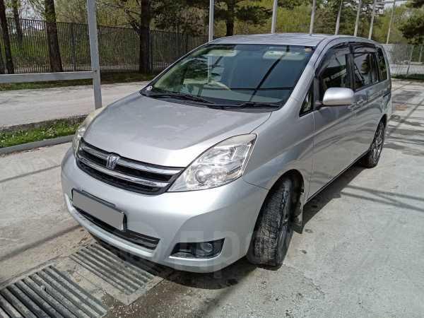 Toyota Isis, 2009 год, 555 000 руб.