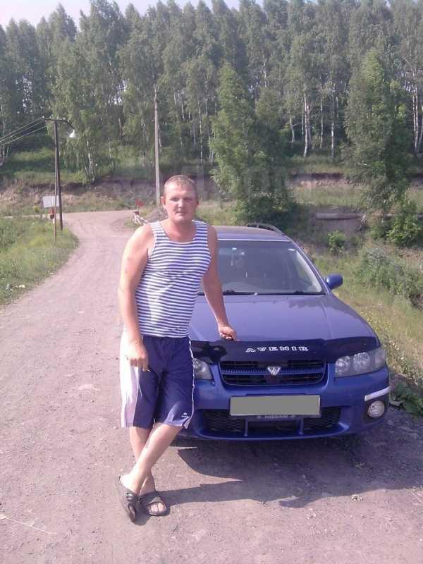 Nissan Avenir, 2002 год, 240 000 руб.