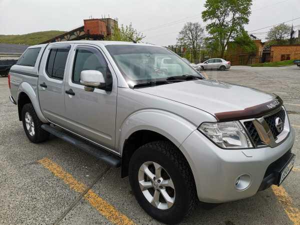Nissan Navara, 2011 год, 900 000 руб.