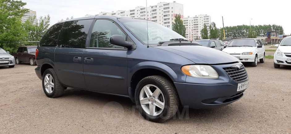 Chrysler Voyager, 2002 год, 215 000 руб.