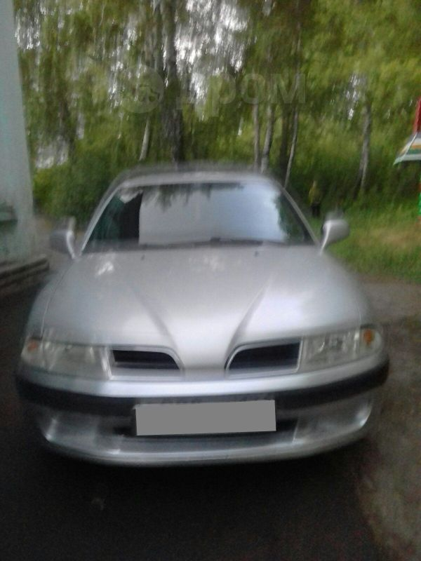 Mitsubishi Carisma, 2000 год, 135 000 руб.