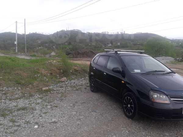 Nissan Tino, 2003 год, 210 000 руб.