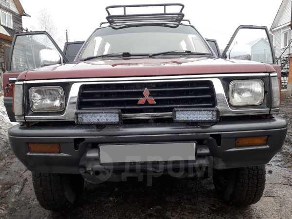Mitsubishi Strada, 1995 год, 290 000 руб.