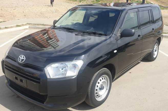 Toyota Probox, 2017 год, 555 000 руб.