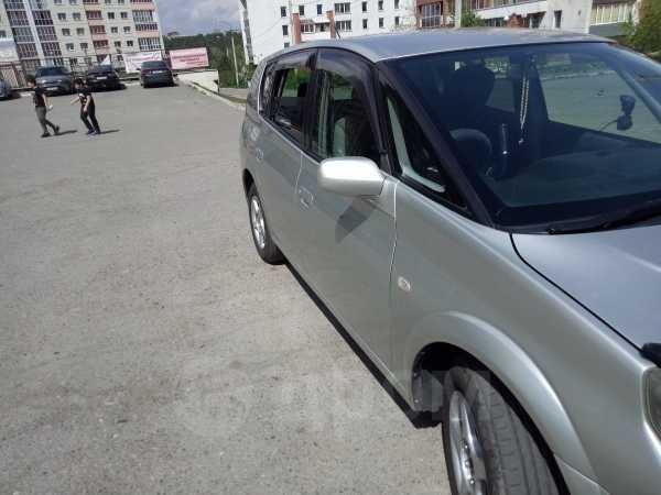Toyota Opa, 2000 год, 319 999 руб.
