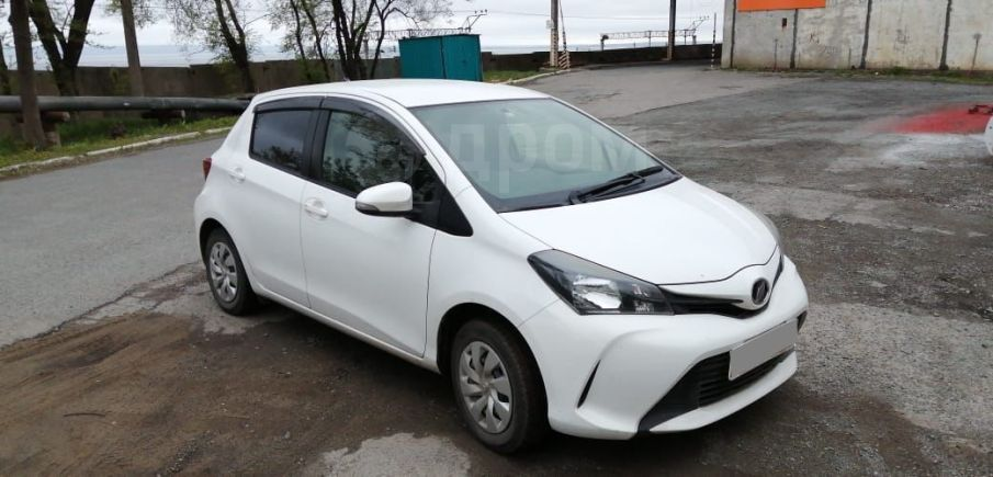 Toyota Vitz, 2014 год, 390 000 руб.