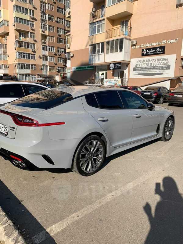 Kia Stinger, 2018 год, 2 100 000 руб.