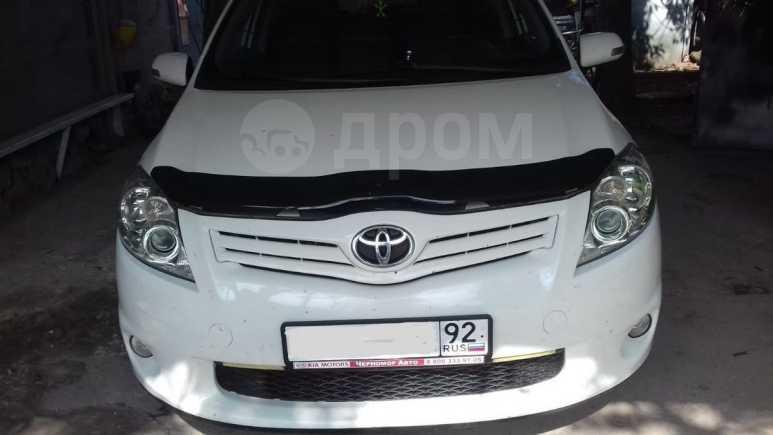 Toyota Auris, 2010 год, 495 000 руб.
