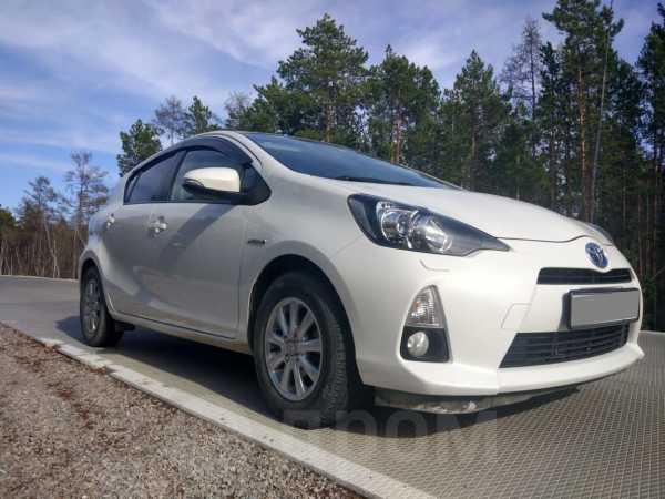 Toyota Aqua, 2014 год, 630 000 руб.
