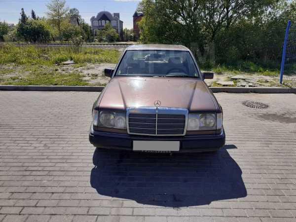Mercedes-Benz E-Class, 1993 год, 175 000 руб.
