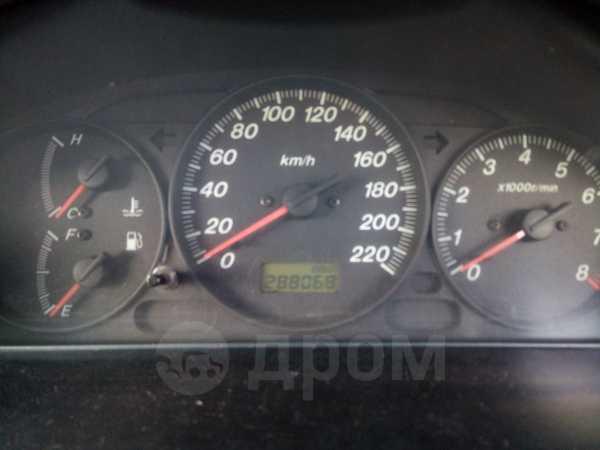 Mazda 323, 2002 год, 125 000 руб.