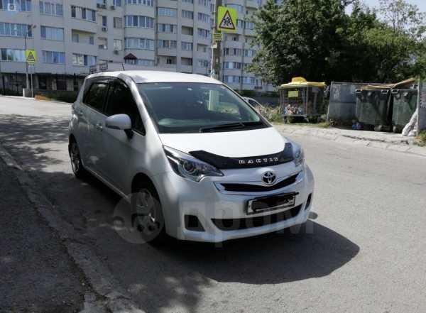 Toyota Ractis, 2015 год, 780 000 руб.