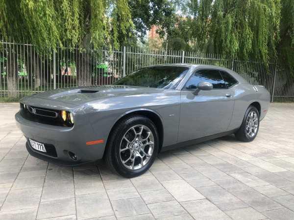 Dodge Challenger, 2017 год, 2 350 000 руб.