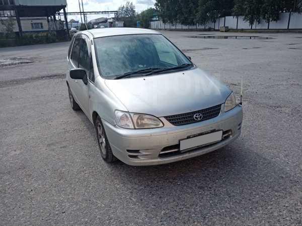 Toyota Corolla Spacio, 2000 год, 280 000 руб.