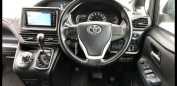 Toyota Noah, 2015 год, 1 380 000 руб.