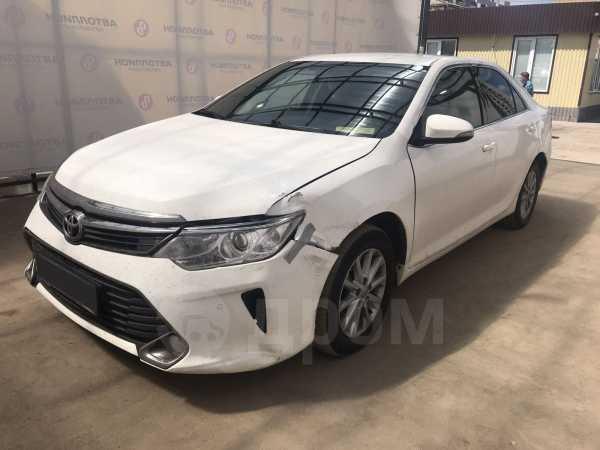 Toyota Camry, 2015 год, 864 000 руб.