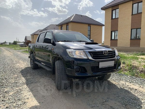 Toyota Hilux Pick Up, 2013 год, 949 000 руб.
