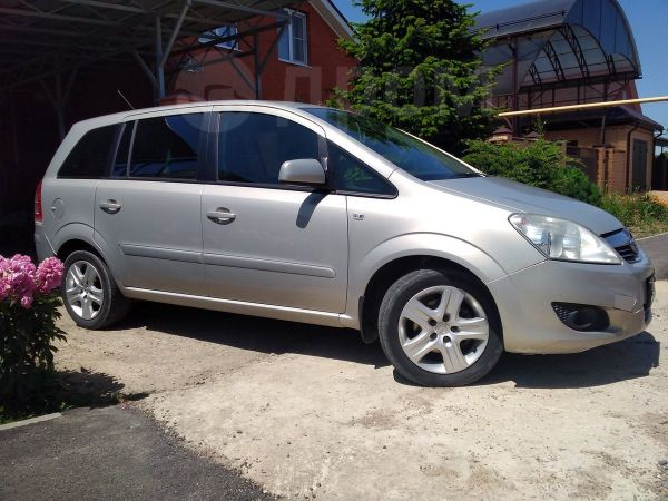 Opel Zafira, 2010 год, 435 000 руб.