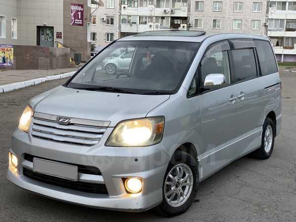 Toyota Noah, 2003 год, 480 000 руб.