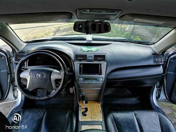 Toyota Camry, 2006 год, 645 000 руб.
