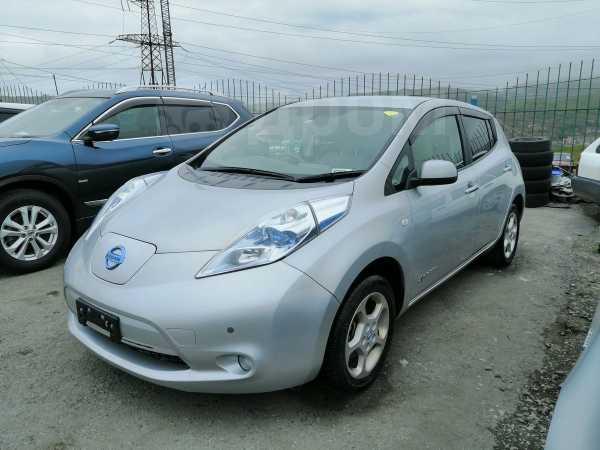 Nissan Leaf, 2011 год, 319 999 руб.