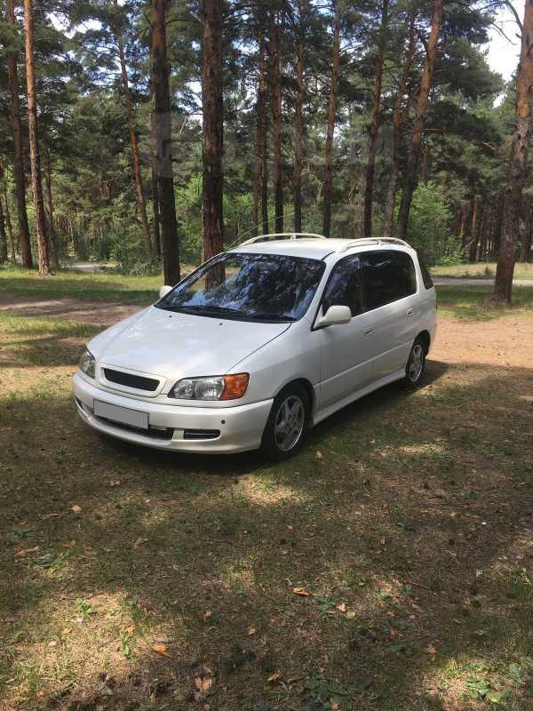 Toyota Ipsum, 2000 год, 400 000 руб.