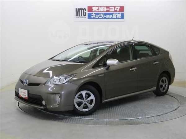 Toyota Prius, 2014 год, 840 000 руб.