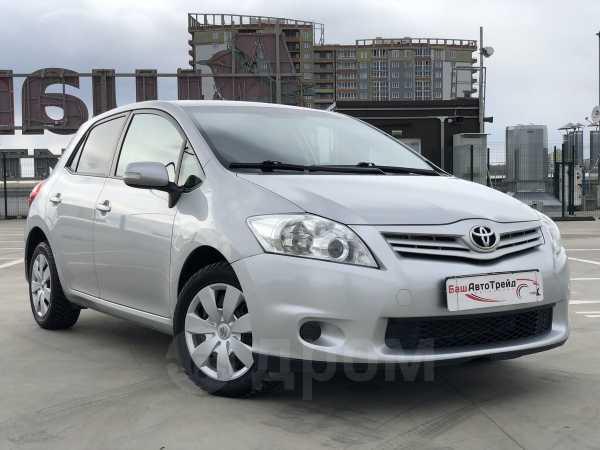 Toyota Auris, 2011 год, 598 000 руб.