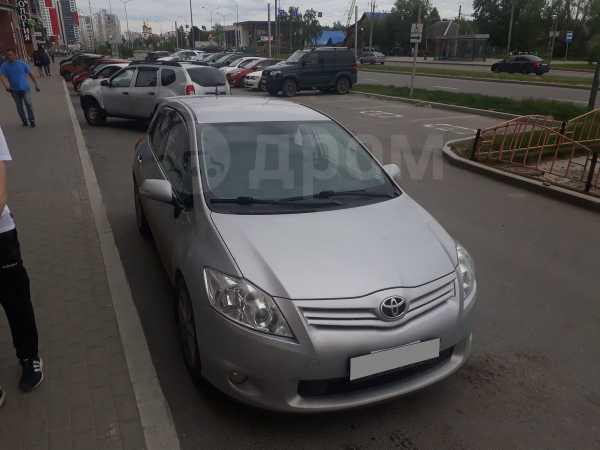 Toyota Auris, 2011 год, 410 000 руб.