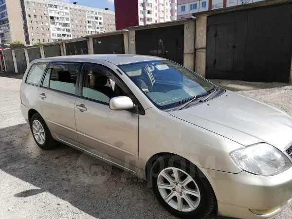Toyota Corolla Fielder, 2001 год, 335 000 руб.