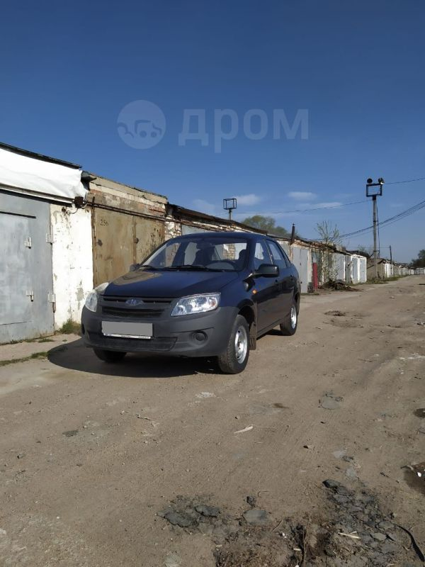 Лада Гранта, 2013 год, 300 000 руб.
