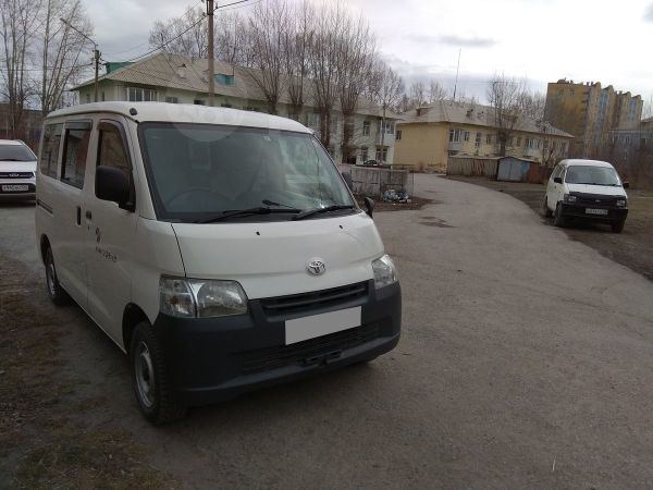 Toyota Town Ace, 2013 год, 650 000 руб.