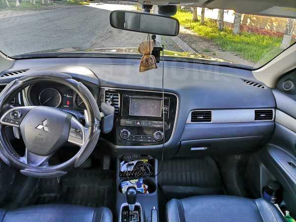 Mitsubishi Outlander, 2012 год, 880 000 руб.
