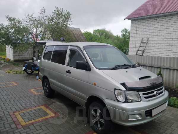 Toyota Town Ace Noah, 2000 год, 295 000 руб.