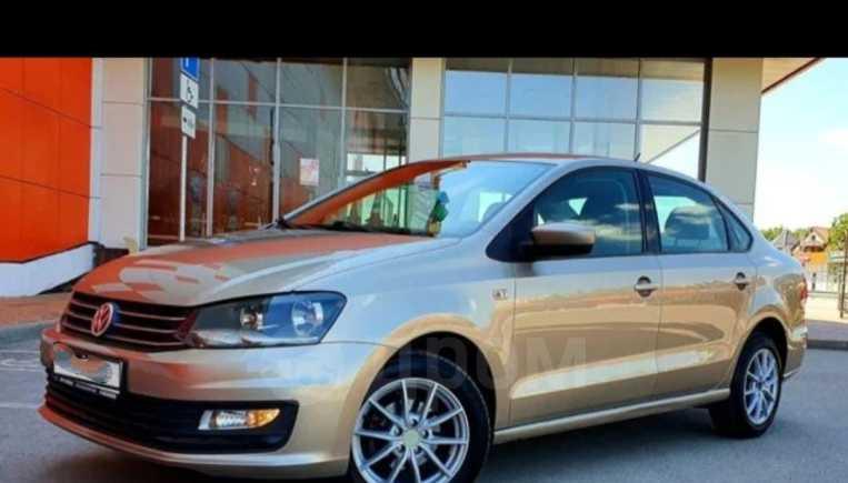 Volkswagen Polo, 2015 год, 585 000 руб.