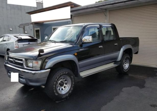 Toyota Hilux Pick Up, 2001 год, 375 000 руб.