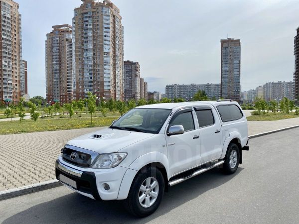 Toyota Hilux Pick Up, 2011 год, 1 450 000 руб.
