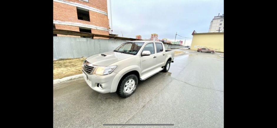 Toyota Hilux Pick Up, 2012 год, 825 000 руб.