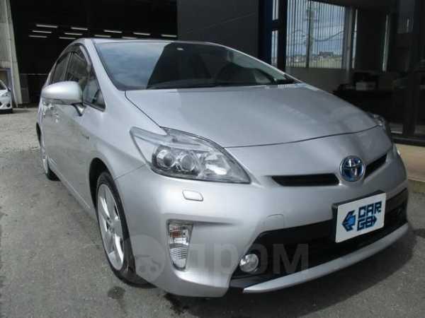 Toyota Prius, 2015 год, 600 000 руб.