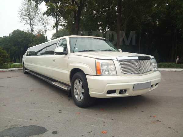 Cadillac Escalade, 2001 год, 699 000 руб.