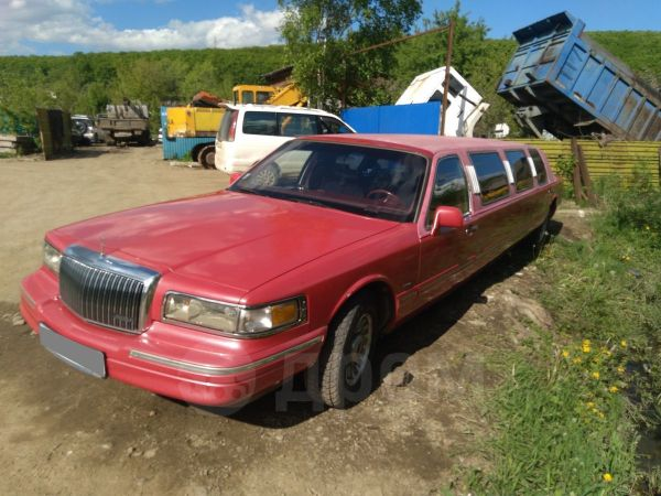 Lincoln Town Car, 1995 год, 320 000 руб.