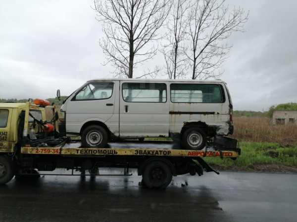 Toyota Hiace, 2002 год, 110 000 руб.