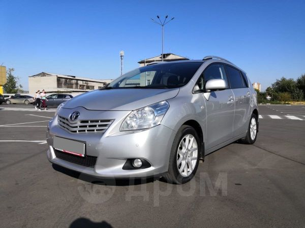 Toyota Verso, 2012 год, 699 000 руб.
