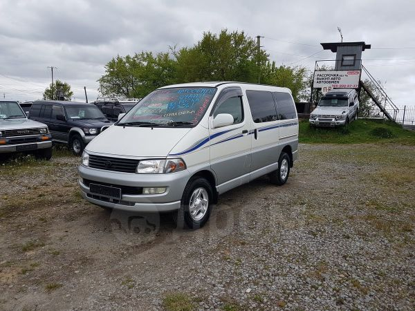 Toyota Hiace Regius, 1999 год, 698 000 руб.