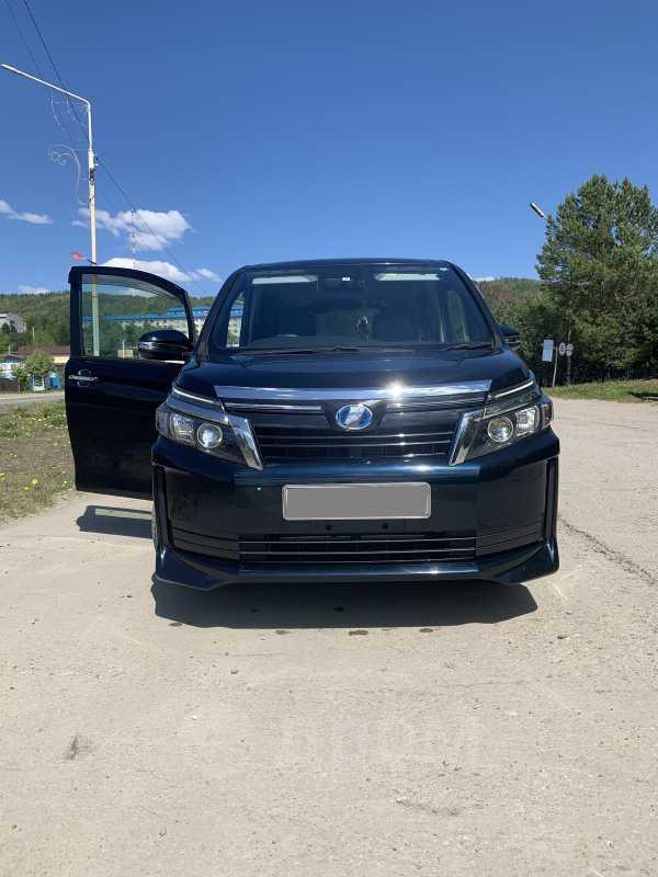 Toyota Voxy, 2015 год, 1 285 000 руб.
